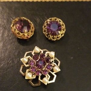 Vintage brooch set